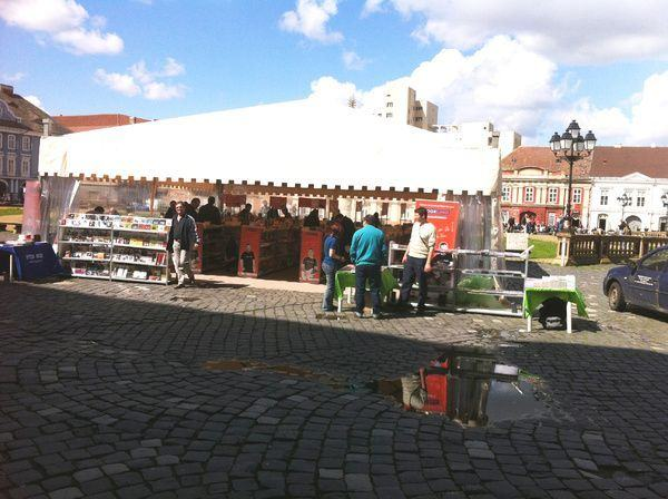 Caravana Cartii BookLand va asteapta in Piata Unirii din Timisoara!