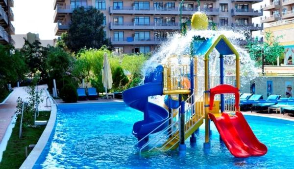 phoenicia-mamaia-piscina-copii