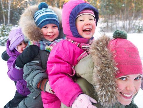 Carucioarele si saniutele, accesoriile indispensabile pentru parinti si bebelusi.