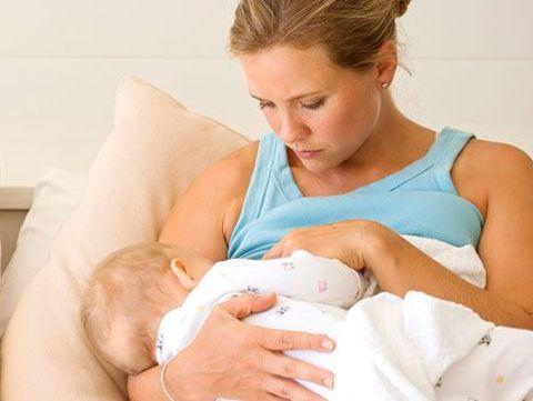 Sfaturi practice despre alaptare pentru mamici active!