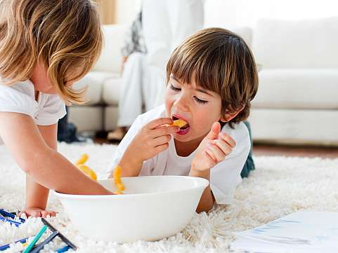 Alergia copiilor la alune: cauze, simptome si recomandari