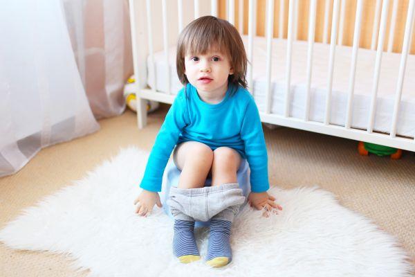 Constipatia psihogena la copii. Cum poate fi tratata