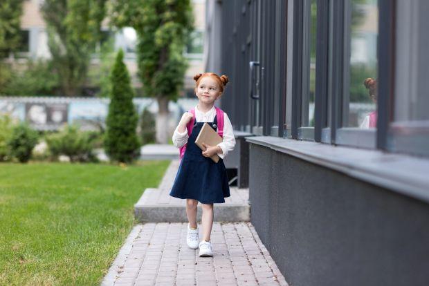 Cum sa iti inveti copilul sa se descurce singur pe strada