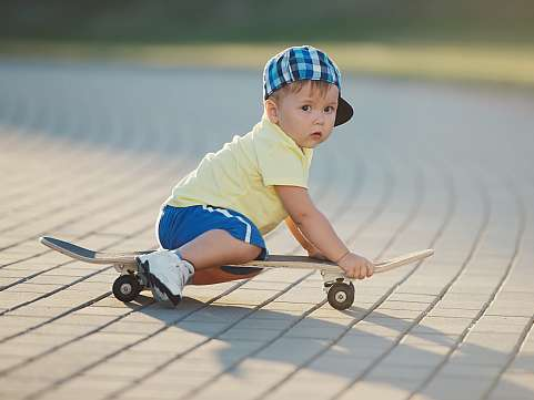 4 factori esentiali de care sa tii cont daca vrei sa cresti un copil independent