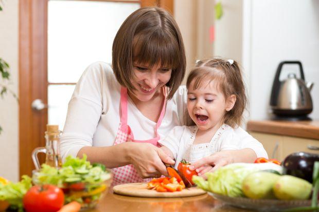 Folosirea cutitului de catre copii: Reguli pentru siguranta in bucatarie