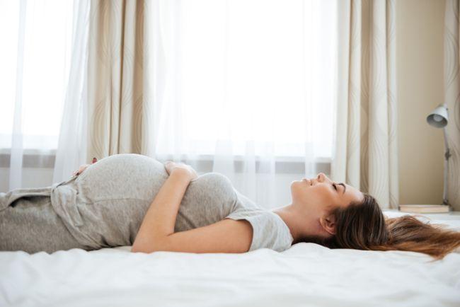 Ce se intampla cand dormi pe spate, in sarcina