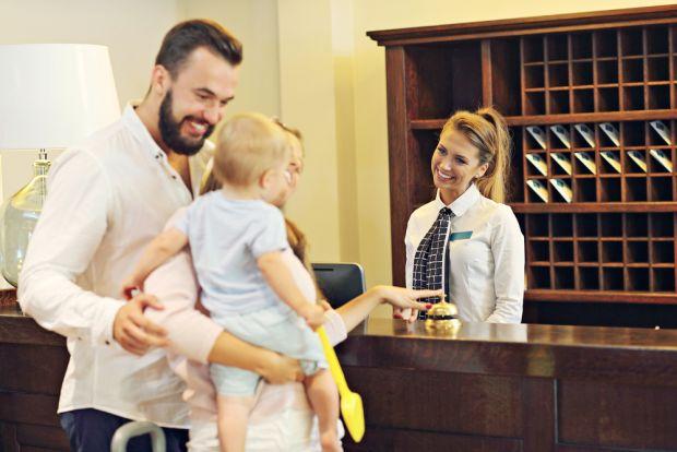 Cu copiii la hotel: sfaturi de care trebuie sa tii cont