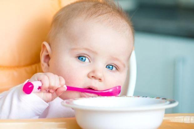 7 mituri despre diversificarea hranei bebelusilor