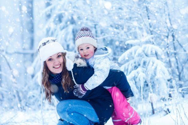 Plimbarea bebelusului iarna - ce reguli trebuie sa respecti
