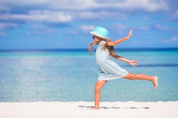 6 lucruri la care sa fii atenta pe ambalajul lotiunii de protectie solara