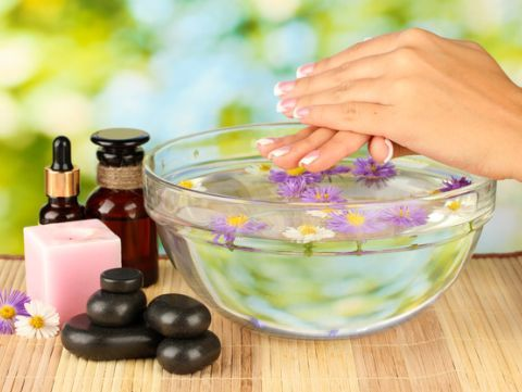5 tratamente naturiste pentru unghii