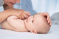 Beneficiile masajului pentru bebelus