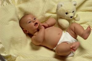 Buricul bebelusului, o grija aparte